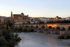 Roman_Bridge,_Córdoba,_Espana.jpeg